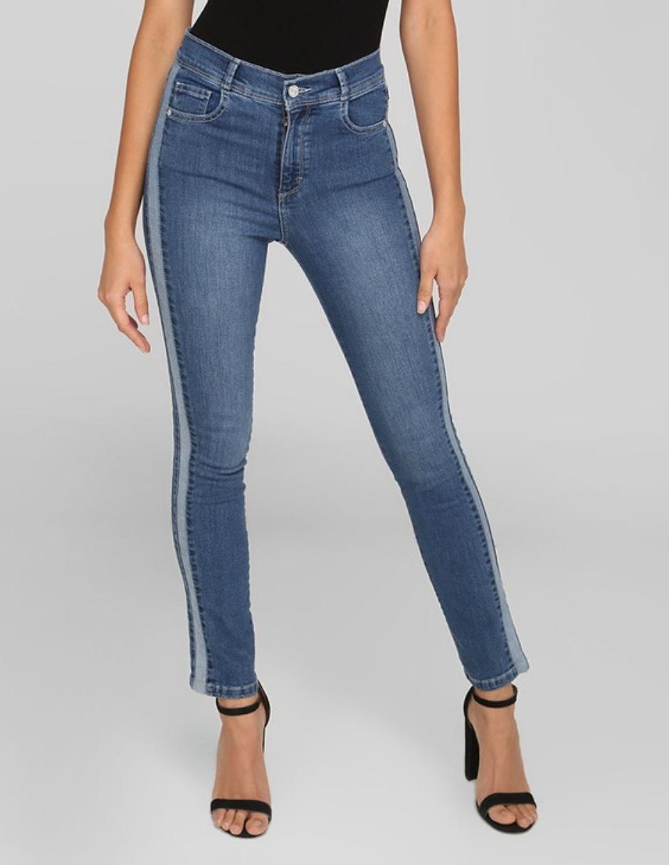 d671dee067 Jeans Oh Pomp! corte entubado